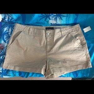 Aeropostale Khaki Midi Shorts 18